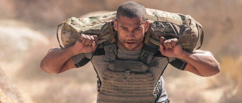 мужчина военный фитнес