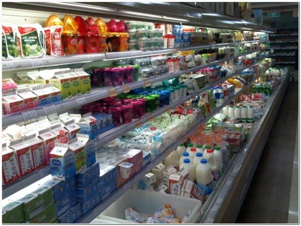 супермаркет молочный отдел