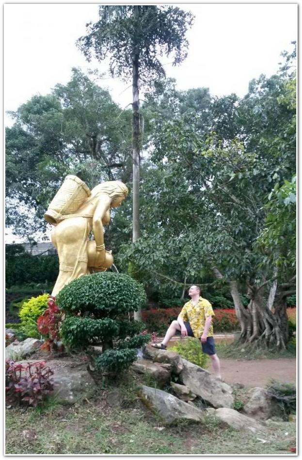 памятник Вьетнам