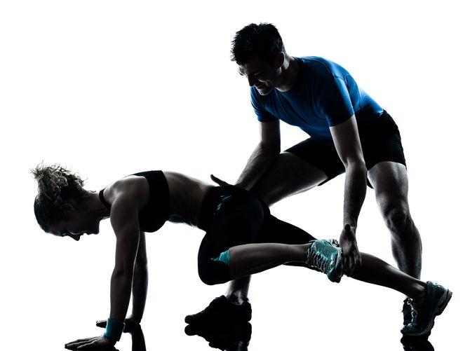 коррекция техники упражнений с помощью тренера