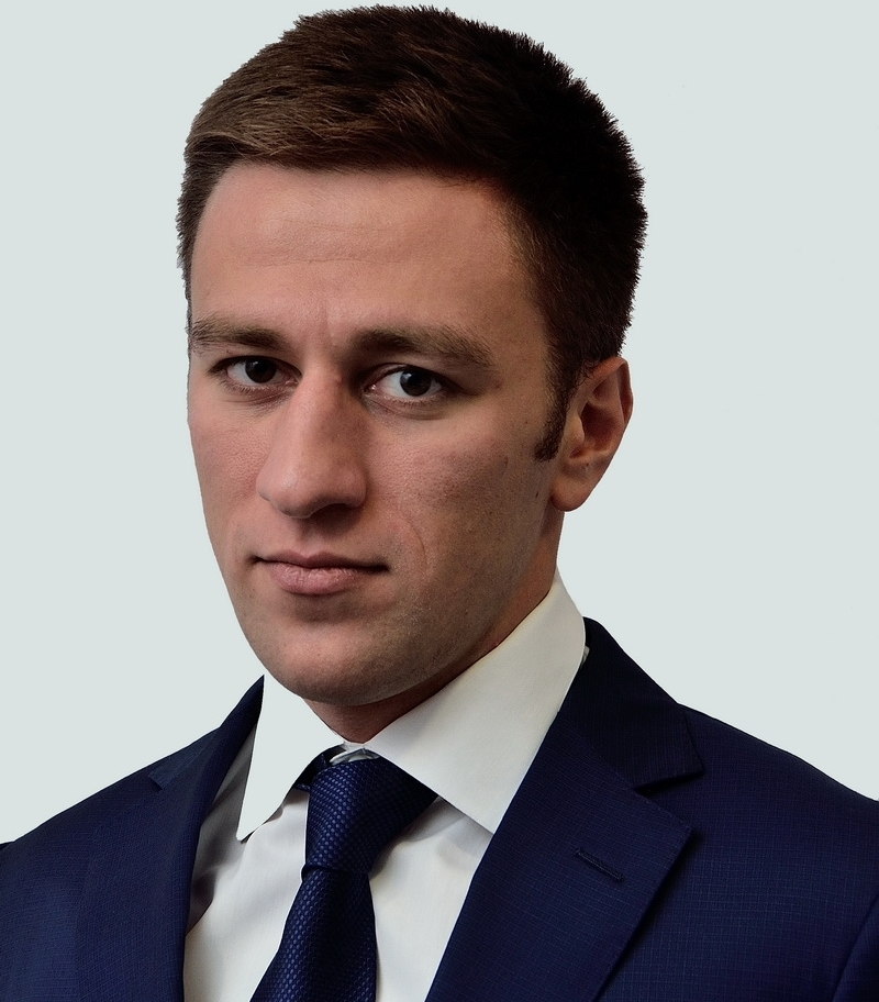 Дени Бажаев