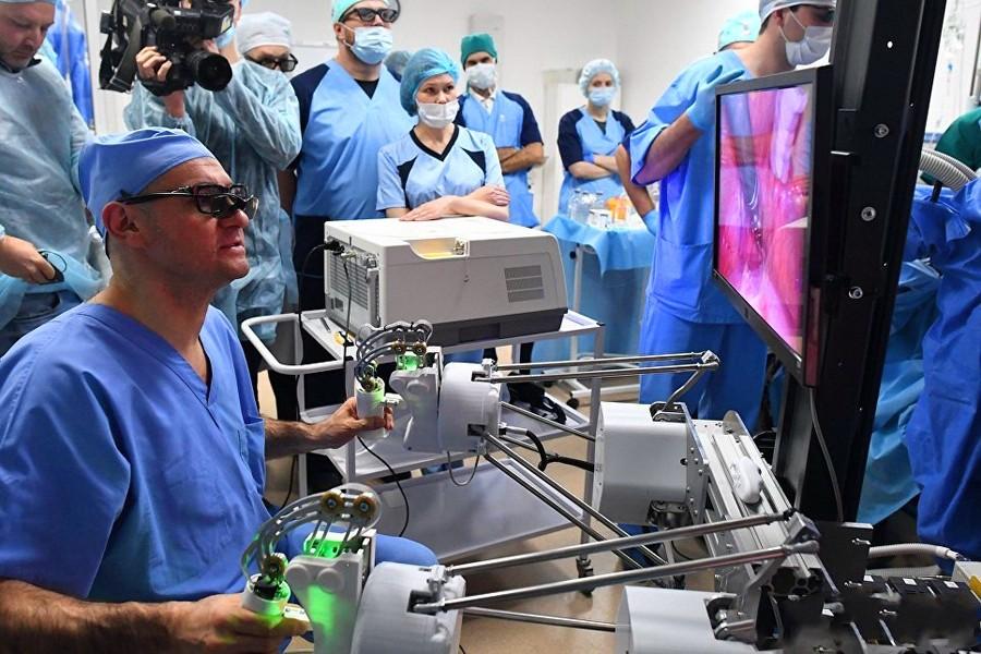 Сколько зарплата у хирурга