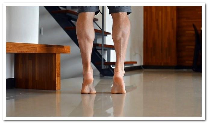 Подъем на носки упражнение