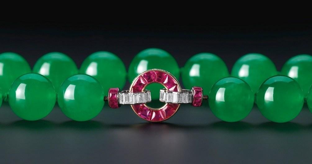 Жадеитовое ожерелье
