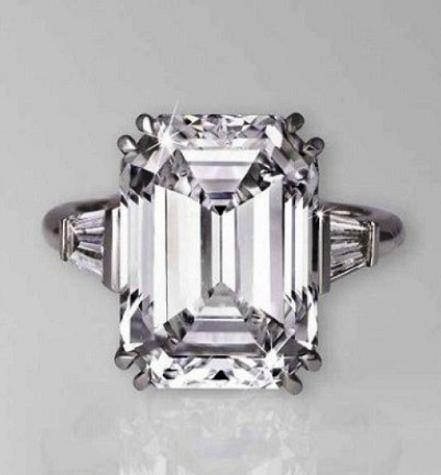 Самое дорогое кольцо в мире: топ-19 уникальных ювелирных ... Самое Дорогое Кольцо с Бриллиантом