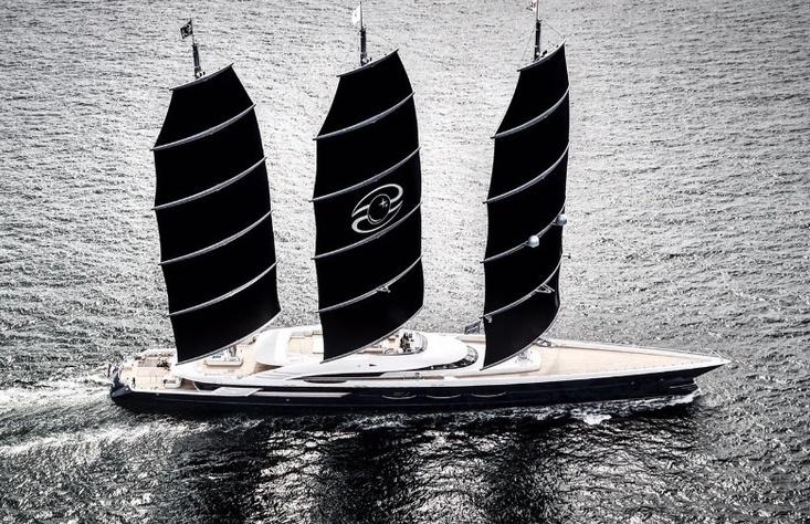 Black Pearl в море