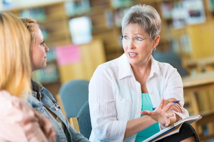 Репетиторство - прибыльный вариант подработки на пенсии