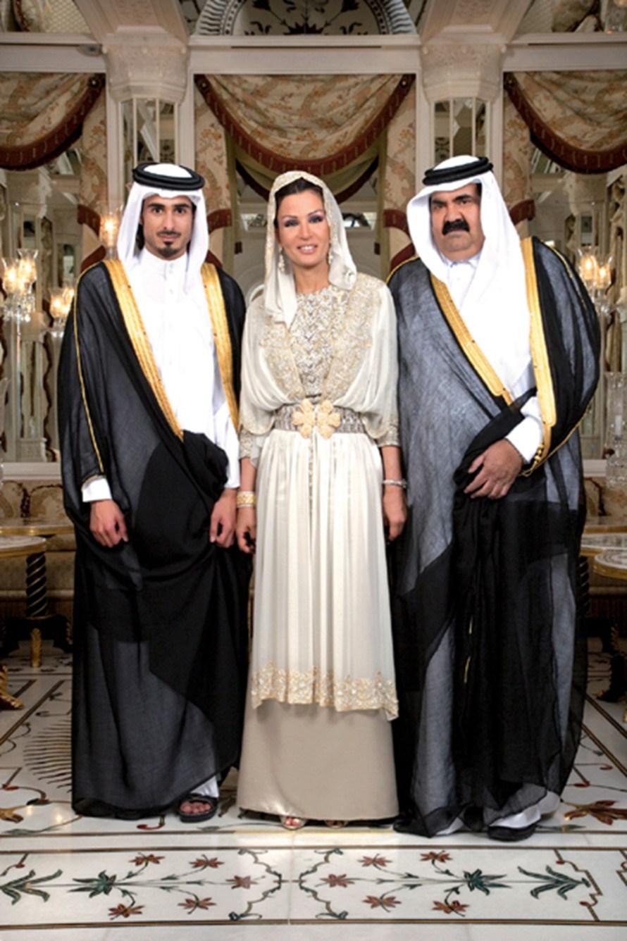 Шейха с сыном и мужем