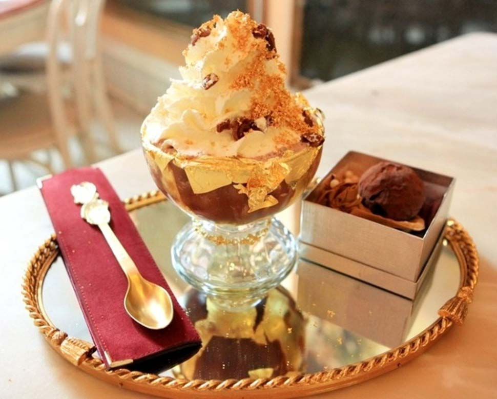 Сандэй Frrrozen Haute Chocolate