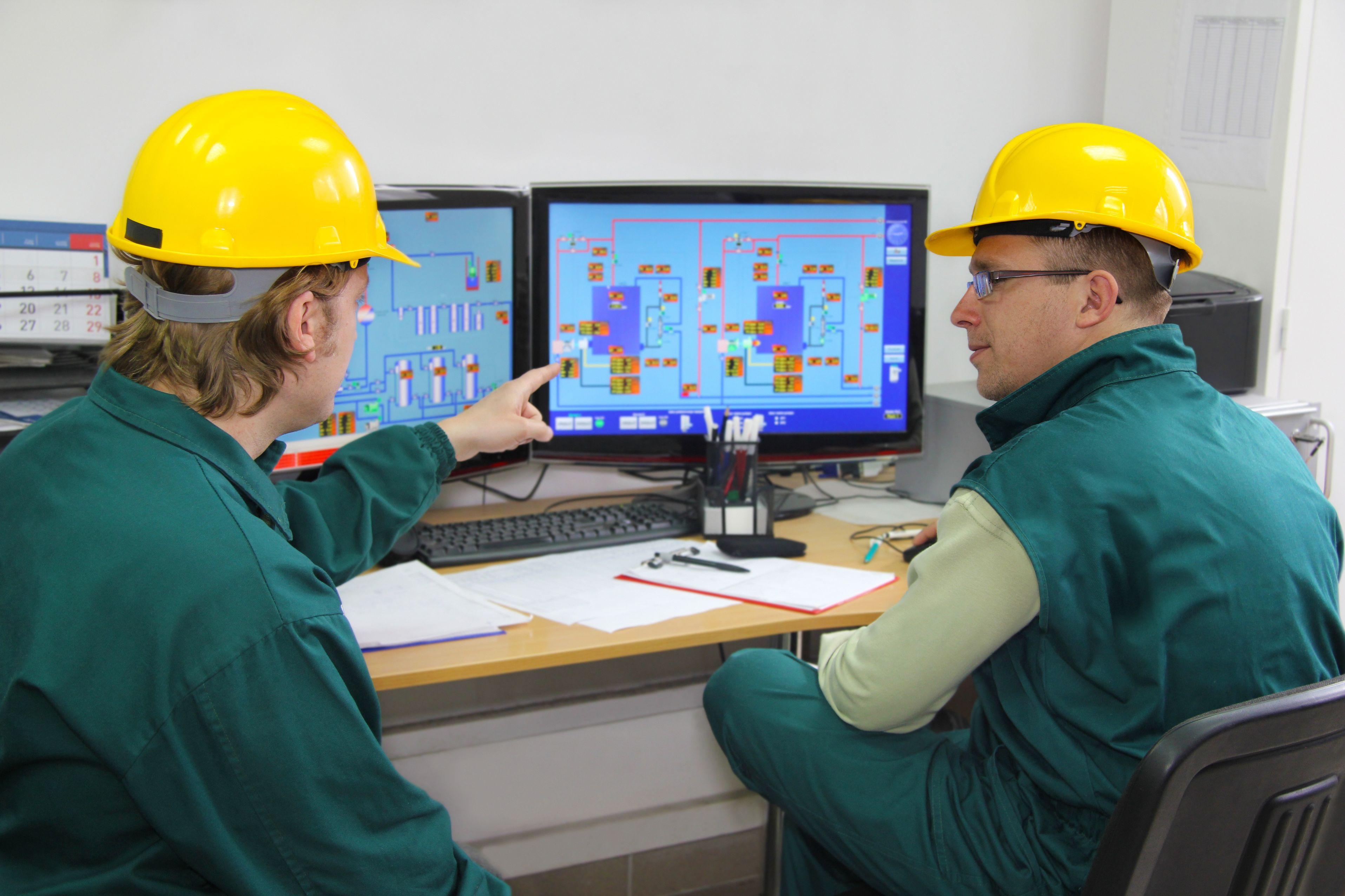 Инженеры-электрики