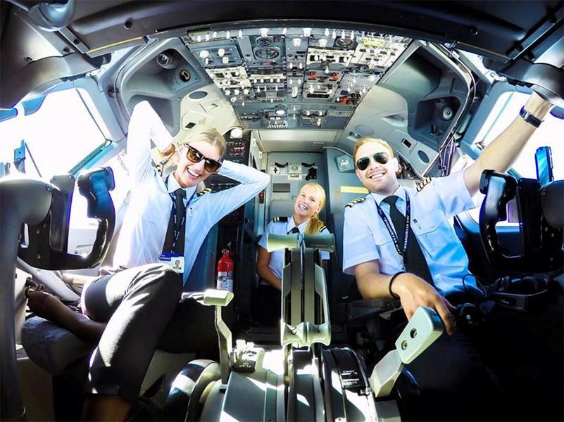 Пилоты гражданской авиации