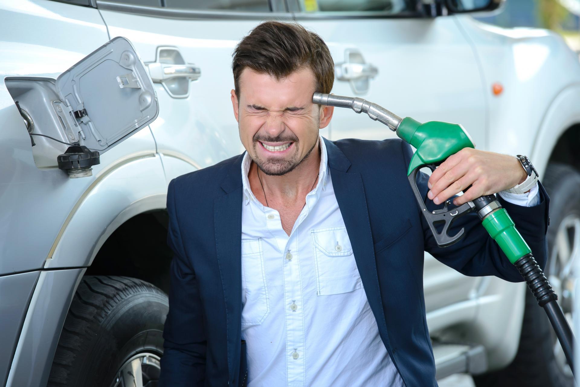 Прогноз цен на бензин на 2021 год: ударит ли стоимость топлива по кошельку российских автомобилистов?