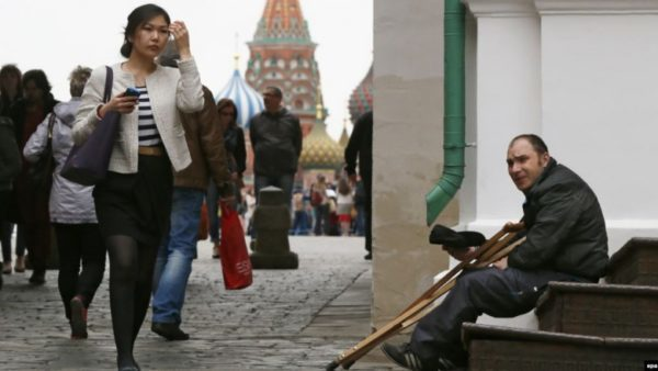 Почему богатая страна Россия не делится деньгами со своим населением