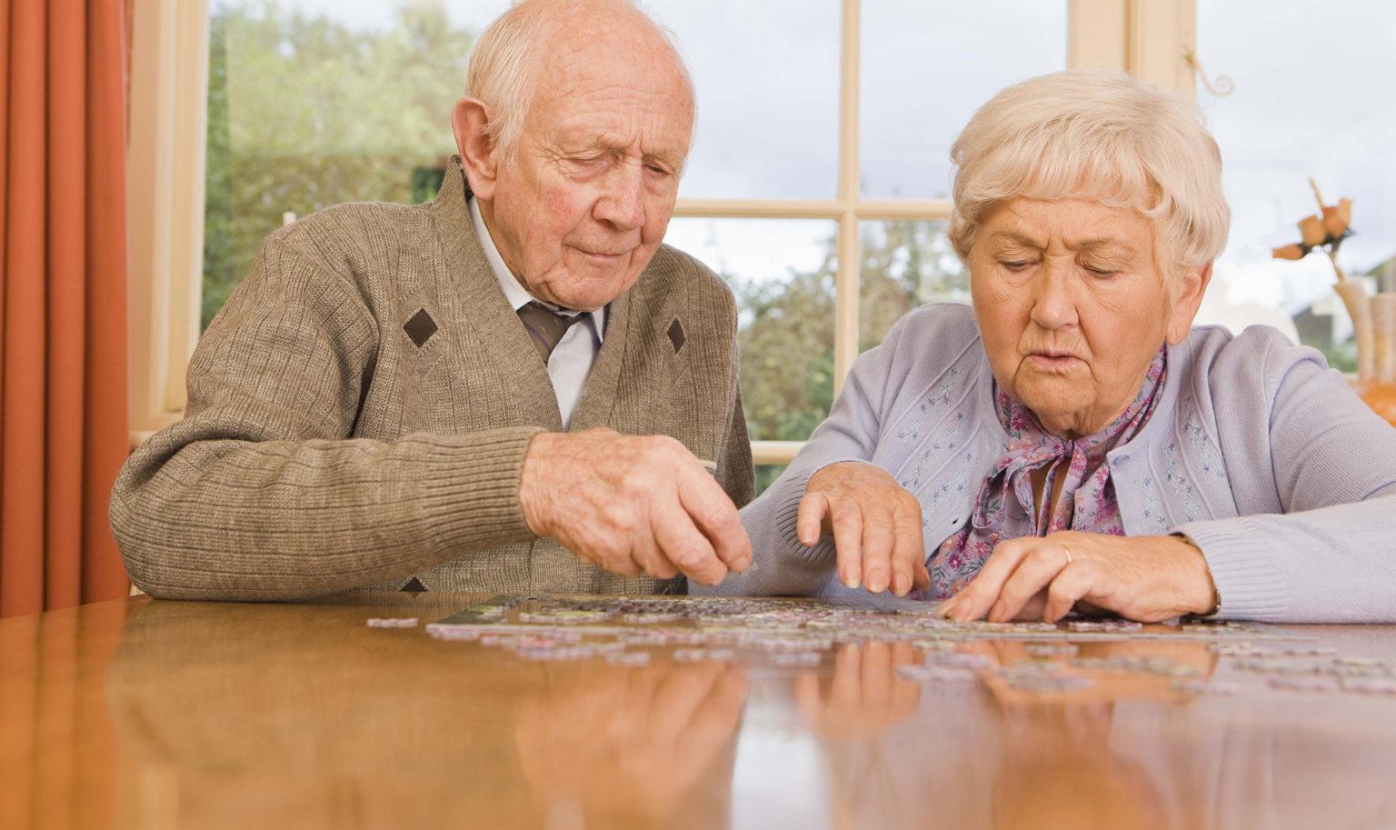 Кому повысят пенсии с августа 2021 года, а кому – нет и почему
