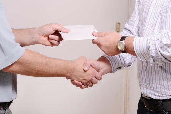 Правда ли, что за зарплату в конверте могут посадить?