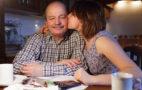 Дочь целует отца