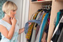 Женщина и шкаф