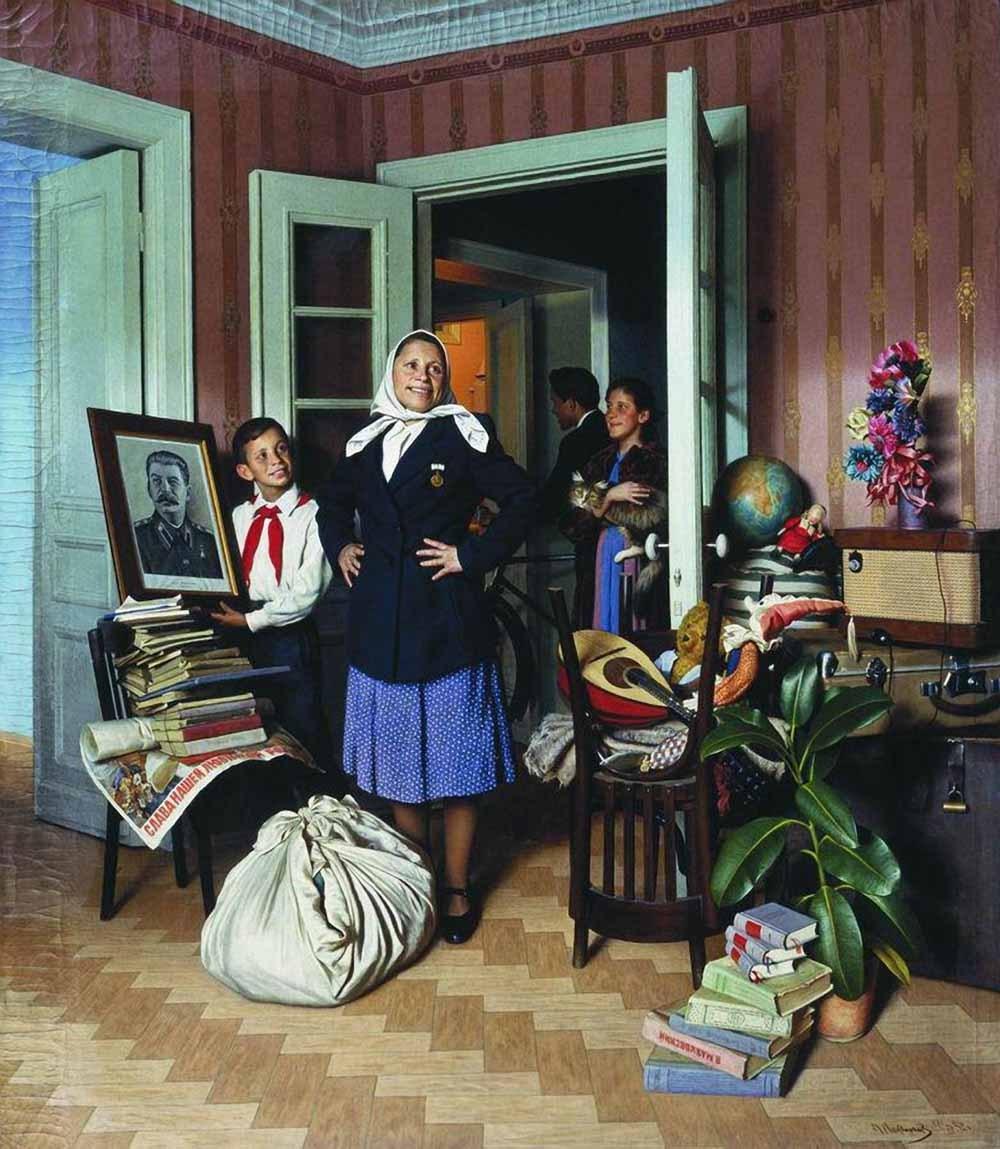 Советская семья заезжает в новую квартиру