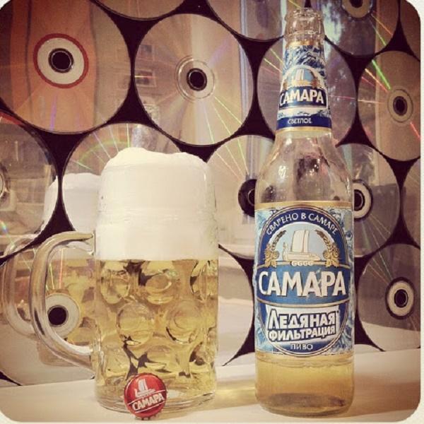 Пиво Самара в бутылке и пивном бокале