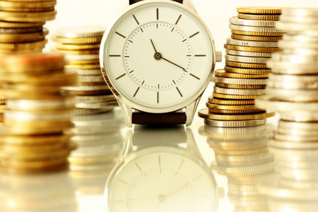 Часы и монеты