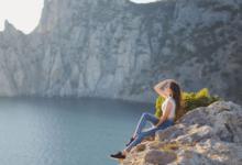 Девушка на скале