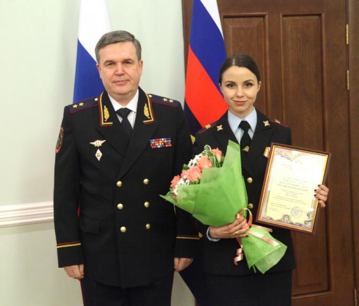Виталий Дмитриевич Шулика с сотрудницей