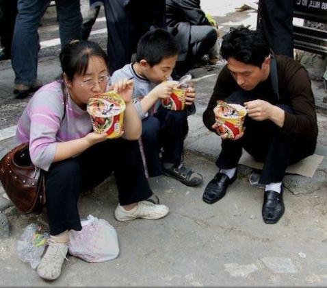 Китайцы едят