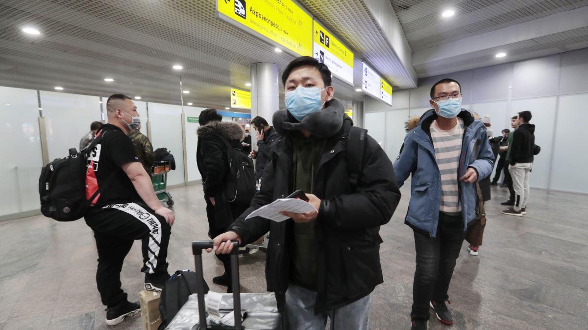 Китайцы в аэропорту
