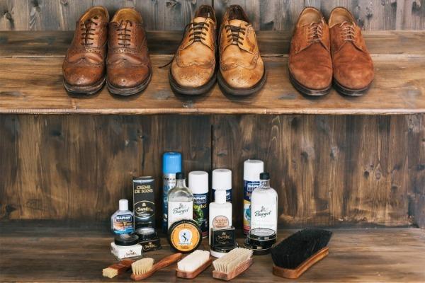 Обувь и средства ухода за ней