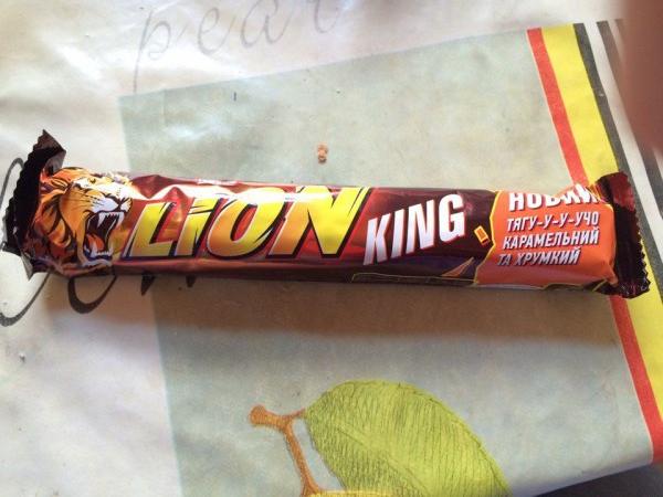 Шоколадно-вафельный батончик Lion