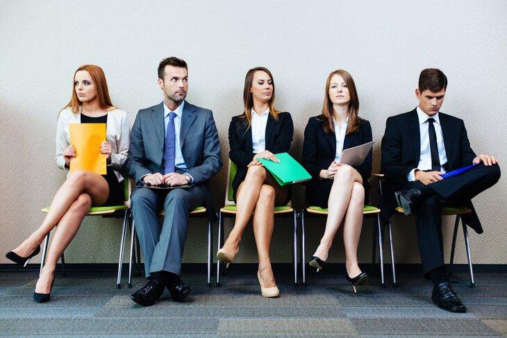 Кандидаты на должность в очереди