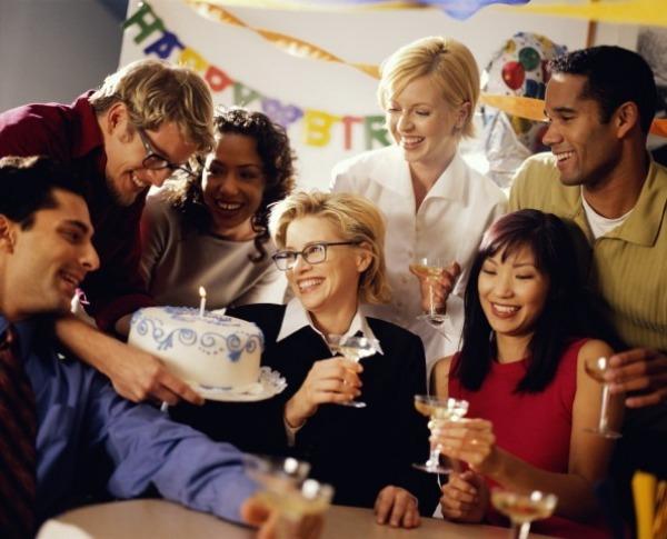 День рождения в компании сотрудников