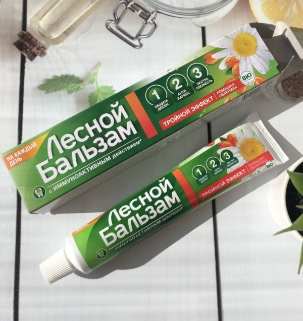 Зубная паста и упаковка