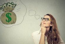 Девушка мечтает о деньгах