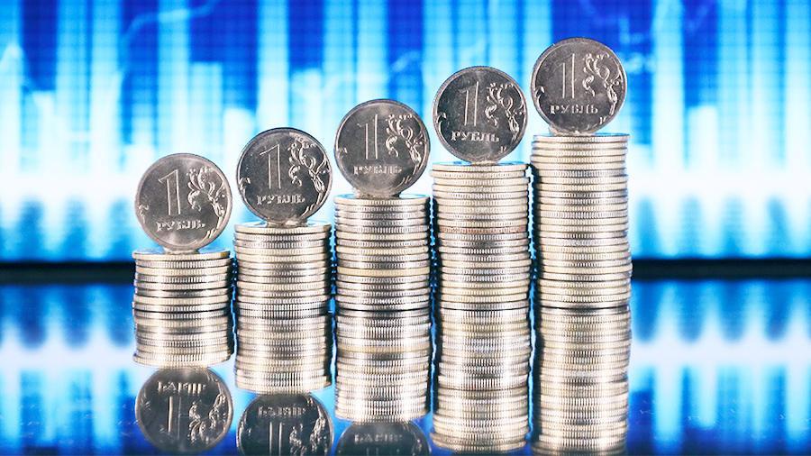 Стопки железных рублей