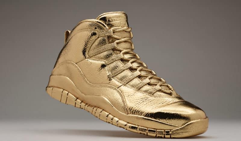 Золотые кроссовки SolidGoldOVOxAirJordans
