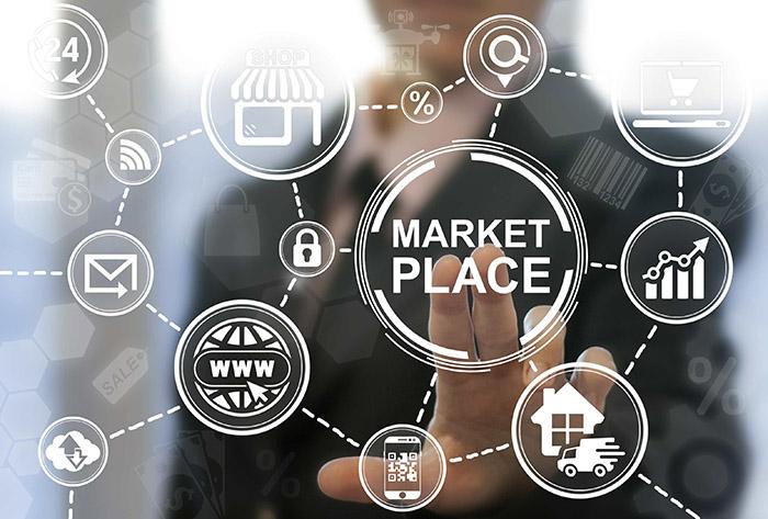 Сеть Marketplace и мужчина на фоне