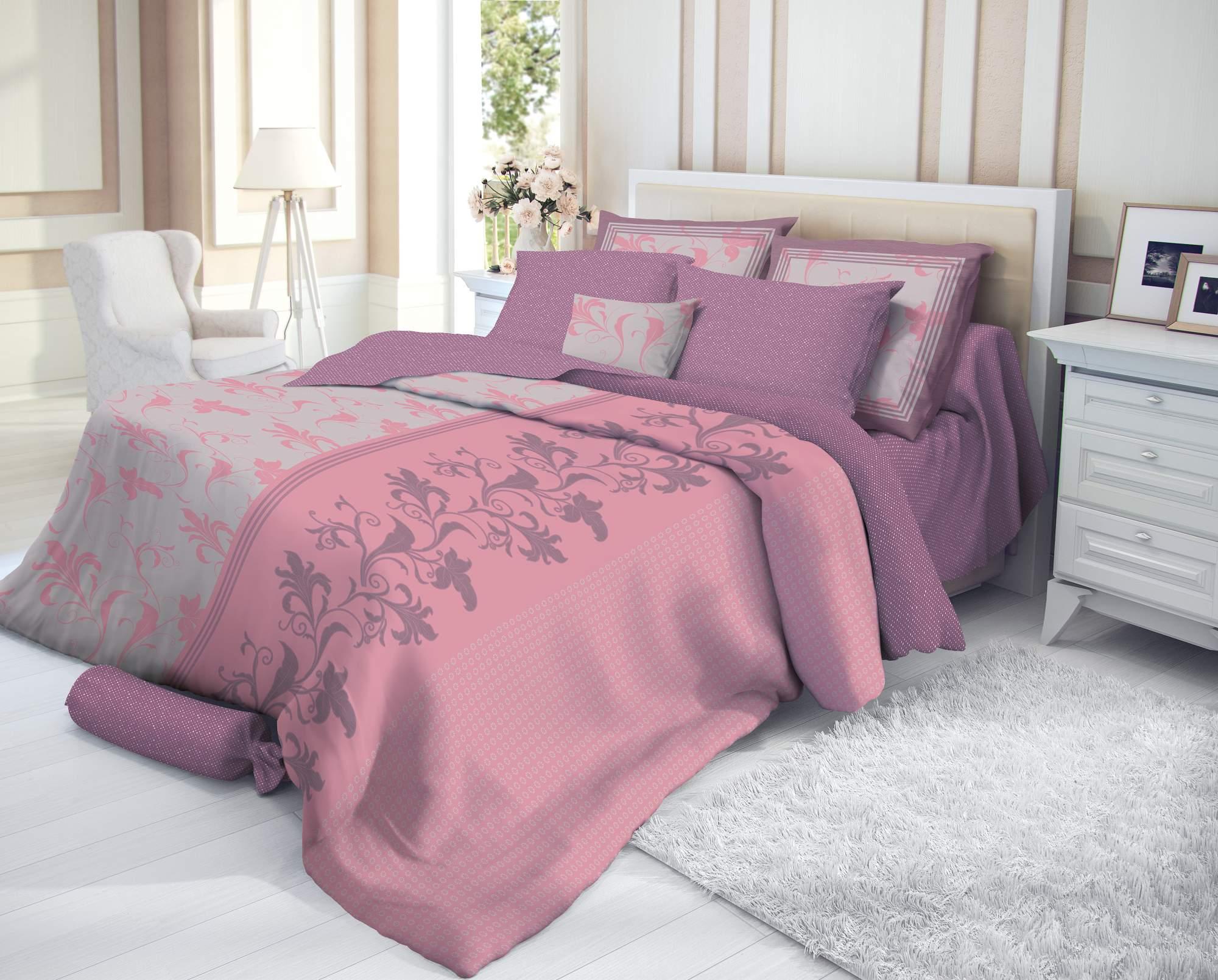 Кровать с постельным бельем