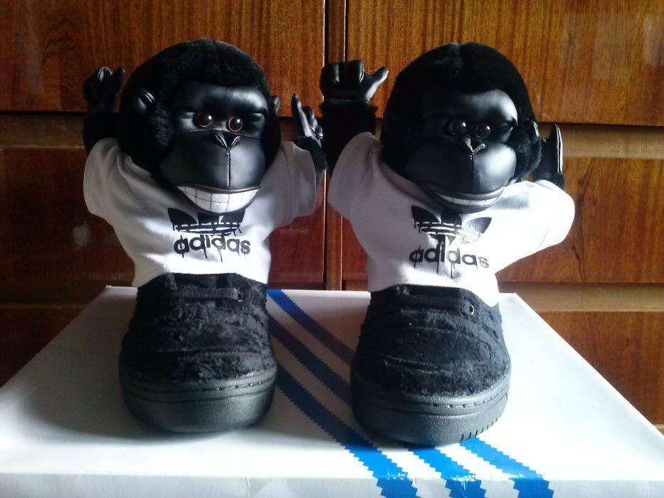 Кроссовки-обезьяны Адидас
